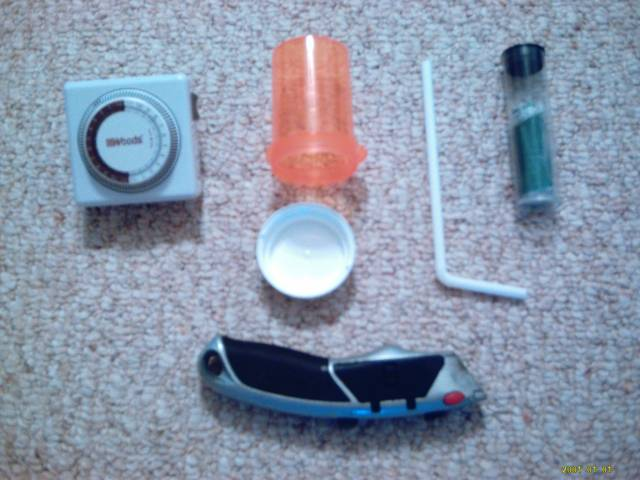 Diy Automatic Feeder For Fish Diy Do It Your Self